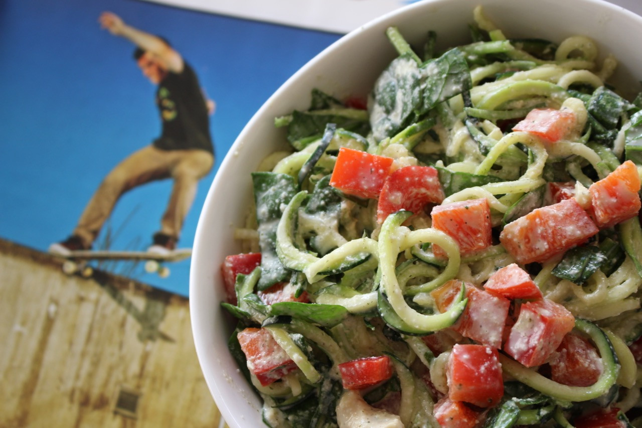 RAWDOGRAW ZUCCHINI ALFREDO: SALAD GRINDS & BEAN PLANTS #60