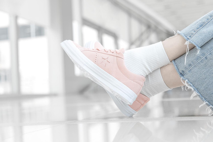 """Converse One Star In """"Dusk Pink"""" And """"Egret"""""""