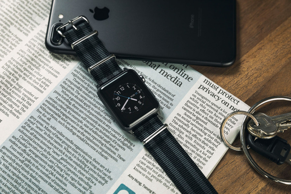 FRAGMENT DESIGN NATO Type Apple Watch Strap