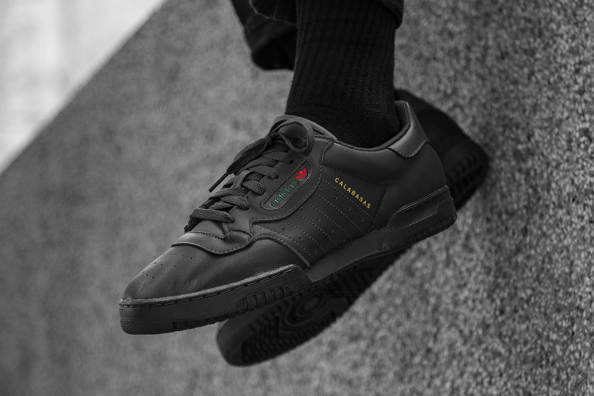 "Men's Raffle: YEEZY POWERPHASE ""Core Black"""