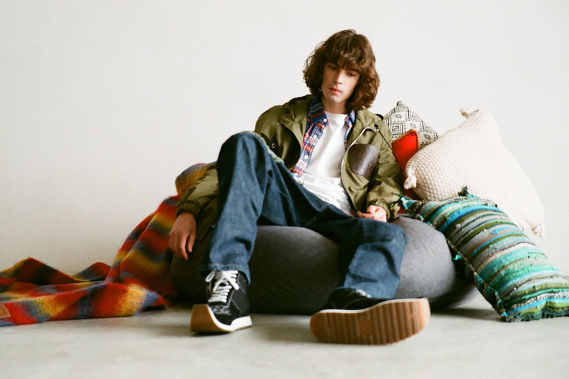 "Exclusive to HBX: LOEWE Dinosaur Sneaker ""Forest Green"" and Rope Anagram Sweatshirt"