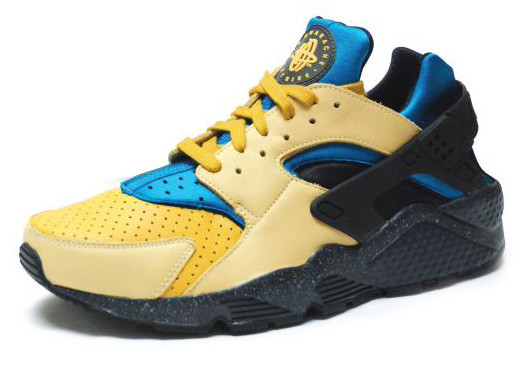 f5bb980fc77e ... due to the plastic cage and Lycra inner bootie. This recent Huarache  Pack includes some of Nike ACG s most popular colorways. Three colorways in  total ...