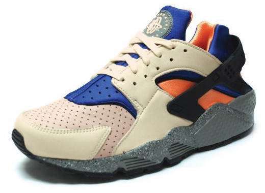 d3f40e714b47 This recent Huarache Pack includes some of Nike ACG s most popular colorways.  Three colorways in total are available now at Overkill Berlin.