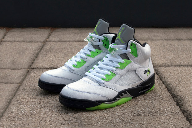 d74b229fa98070 The Air Jordan V is one of the most iconic and popular sneakers ever  produced. Designed by Tinker Hatfield and released in an abundance of  colorways since ...