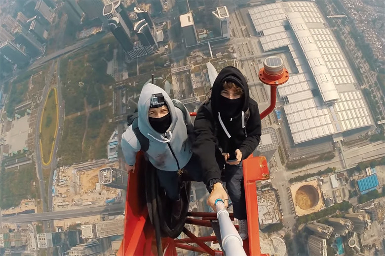 two-daredevils-climb-the-worlds-second-tallest-building-0