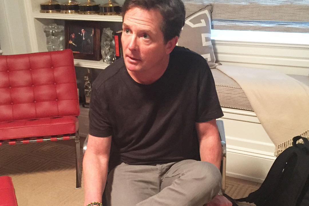 michael-j-fox-nike-mags-official-story-000