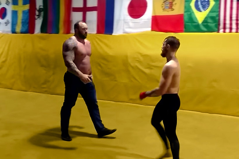 conor-mcgregor-spars-with-the-mountain-000