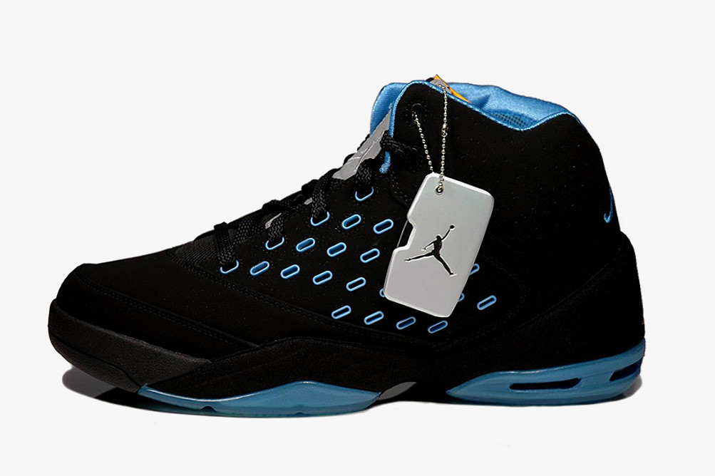 4520344c4d1a Jordan Melo 5.5 Black Metallic Silver-University Blue