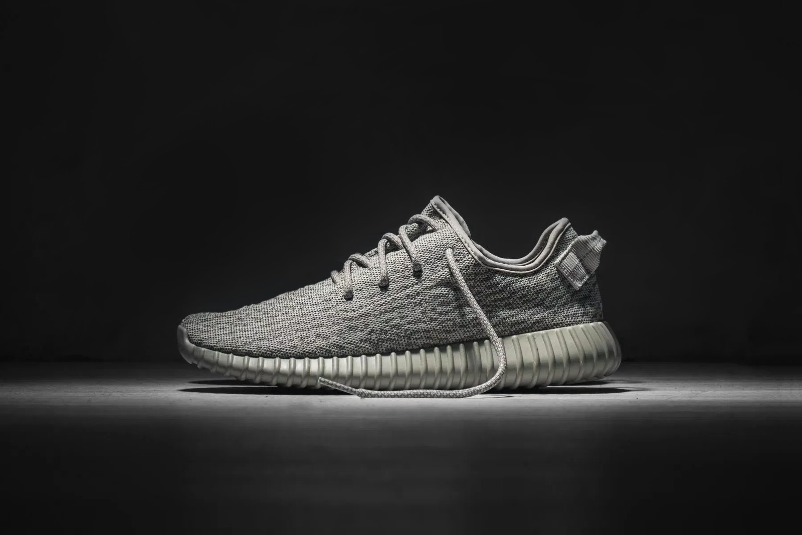 yeezy-boost-350-moonrock-000