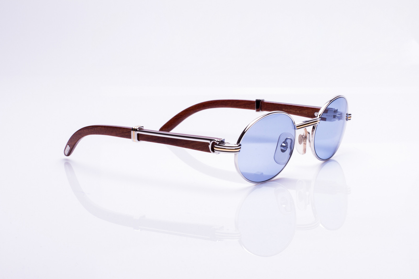 c74fd15b325 Here s 17 Vintage Frames Streetwear Brands Try to Imitate