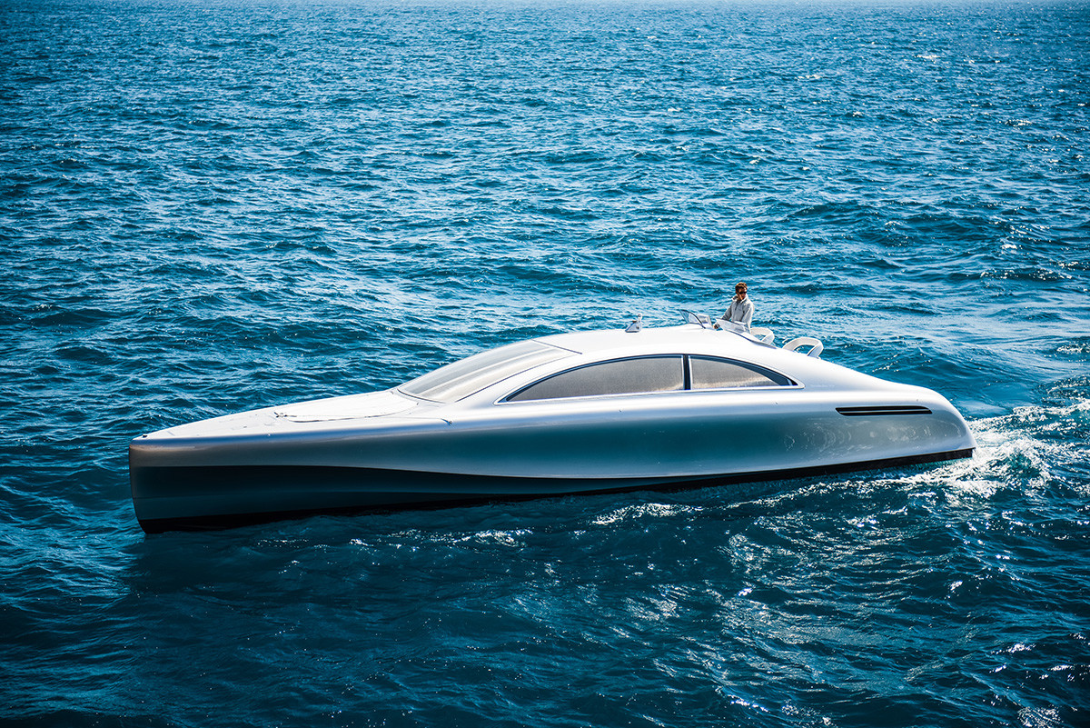 mercedes-benz-debuts-a-1-7-million-usd-luxury-yacht-000