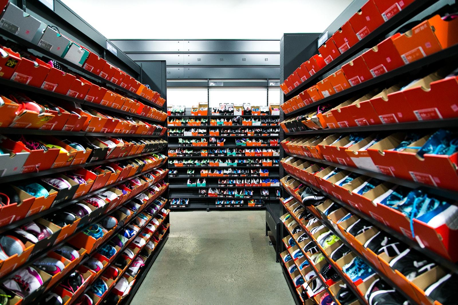Sneaker Outlets Nike adidas New Balance Gap Shopping Malls