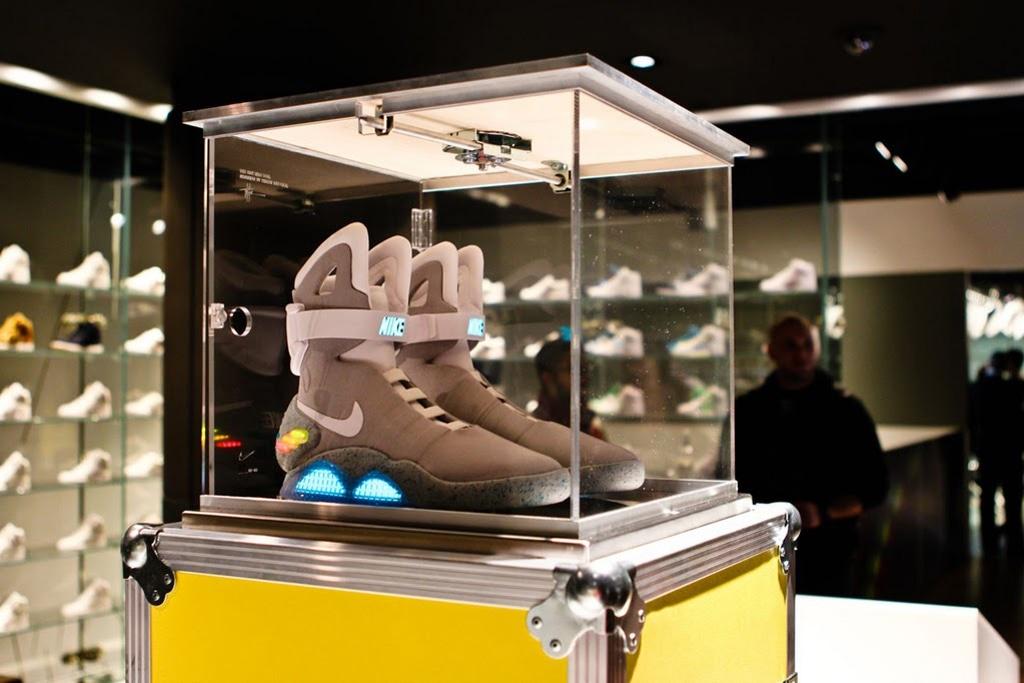 la seguridad sensor profundo  Look Back At The 2011 Release of Nike Mag | HYPEBEAST