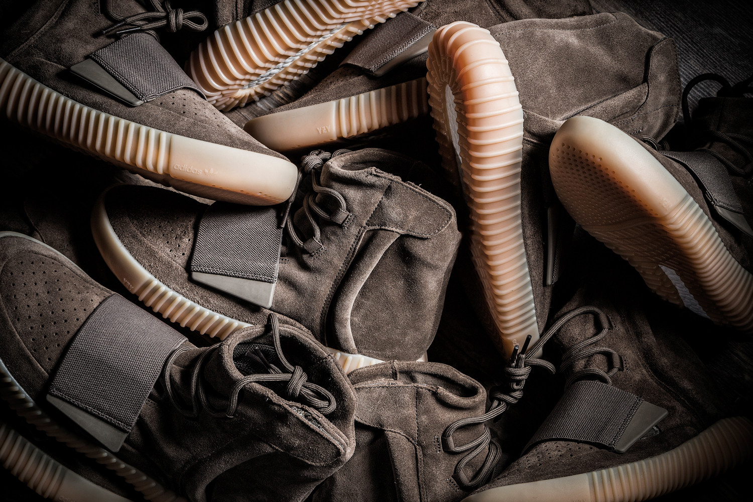 yeezy-boost-750-light-brown-giveaway-00
