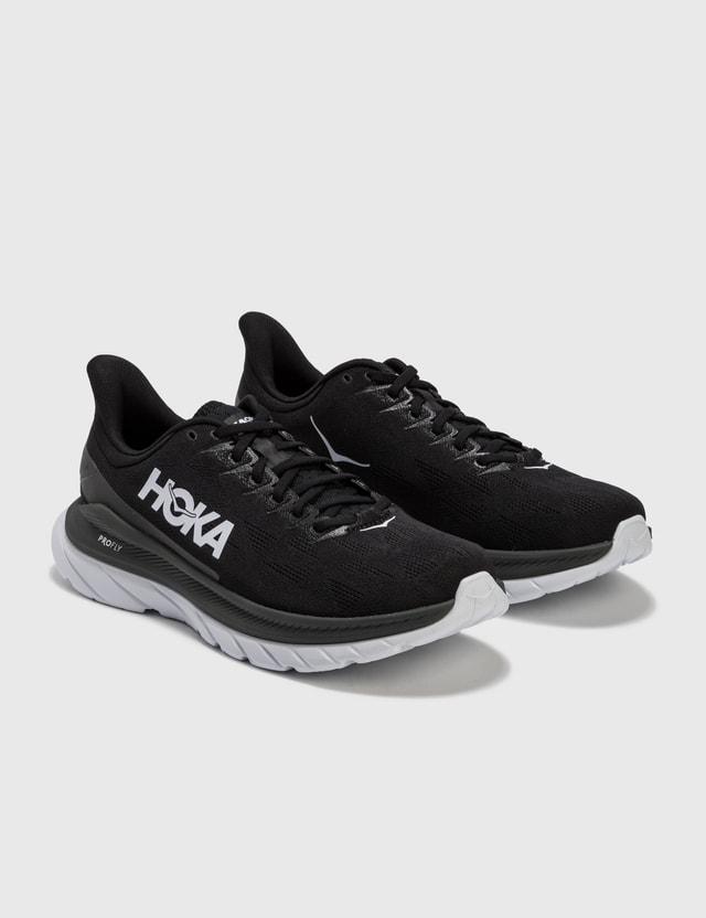 HOKA Mach 4 Sneaker Black Men