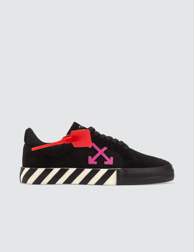 Off-White Low Vulcanized Sneaker