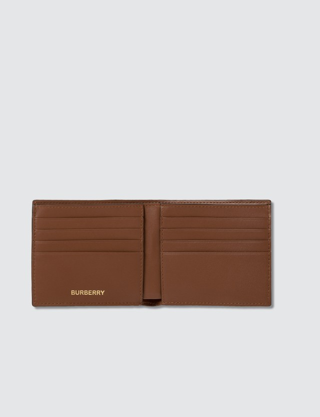 Burberry 모노그램 프린트 E-캔버스 인터내셔널 바이폴드 지갑