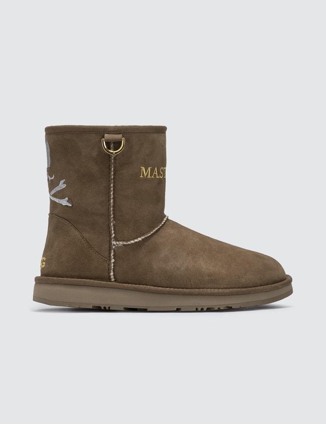 7c3e685f903 Mastermind X UGG Classic Mini Boots