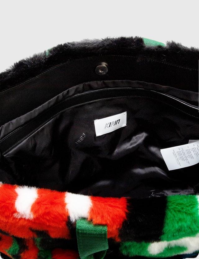 Kirin Big Typo Fur Jacquard 에어포트 백 Black Gree Women