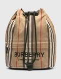 Burberry Icon Stripe ECONYL® Drawcord Pouchの写真