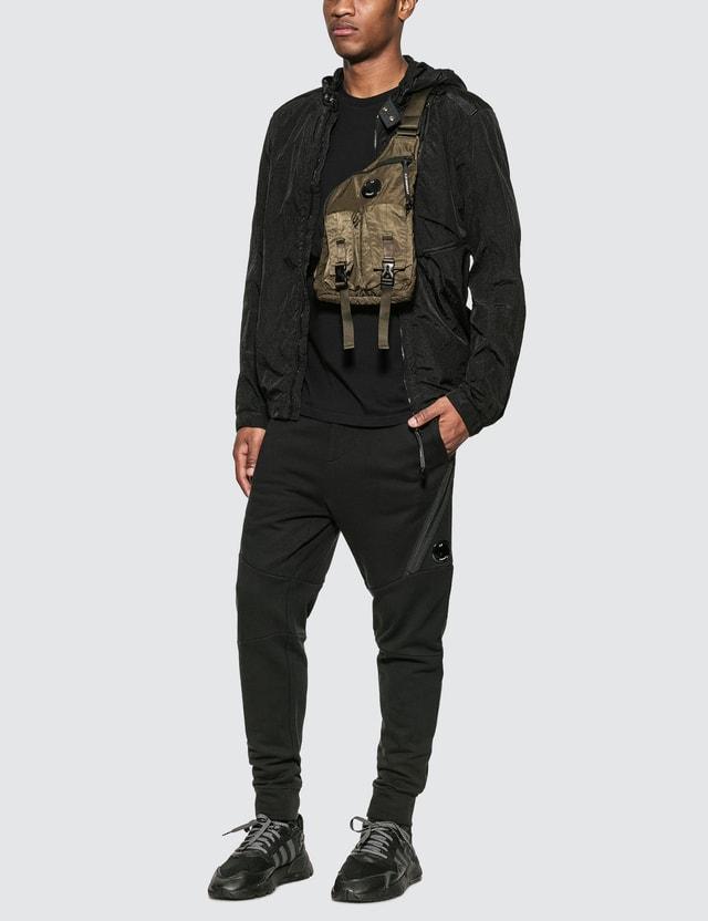 CP Company 렌즈 지퍼 포켓 트랙팬츠 Black Men
