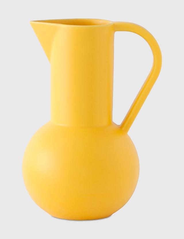 Raawii Strøm Large Jug Freesia (yellow) Life