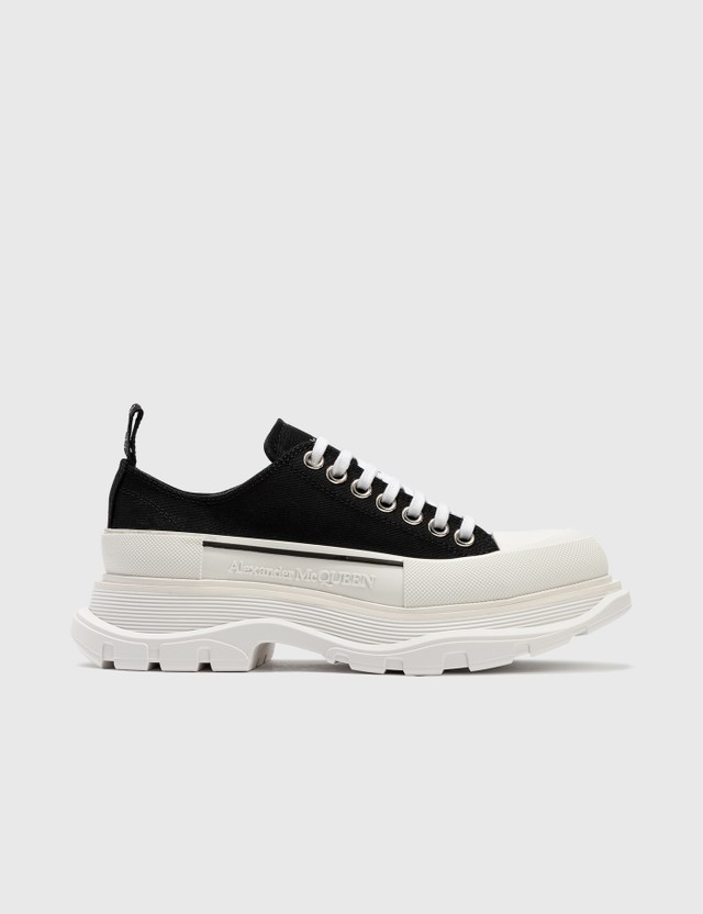 Alexander McQueen Tread Slick Lace Up Sneaker Black/white/black Women