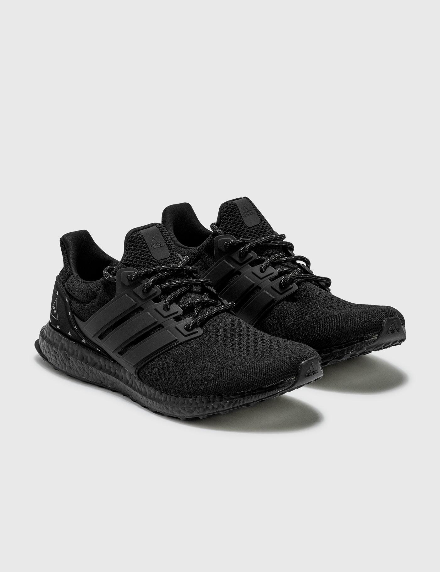 Adidas Originals Activewears PHARRELL WILLIAMS ULTRABOOST DNA