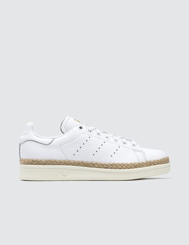 official photos fc67c 5122b Stan Smith New Bold W