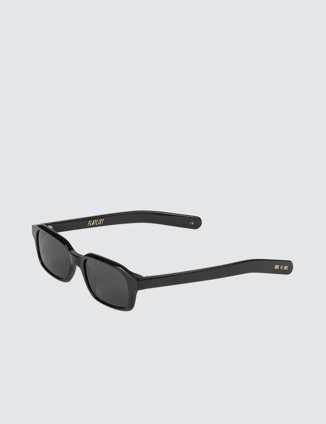 FLATLIST Hanky with Solid Black Lens