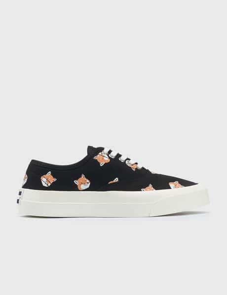 메종 키츠네 Maison Kitsune All Over Fox Head Laced Sneaker