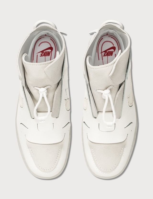 Nike Nike Vandalised