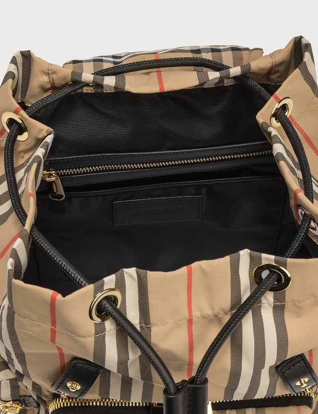 Burberry Medium Rucksack in Vintage Check ECONYL®