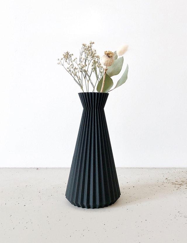 Minimum Design ISHI Vase Black Life