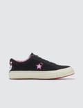Converse Hello Kitty x Converse One Star Picture
