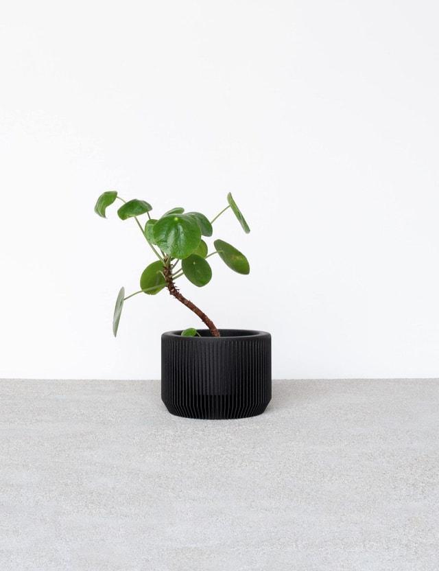 Minimum Design PRAHA Indoor Planter Black Life