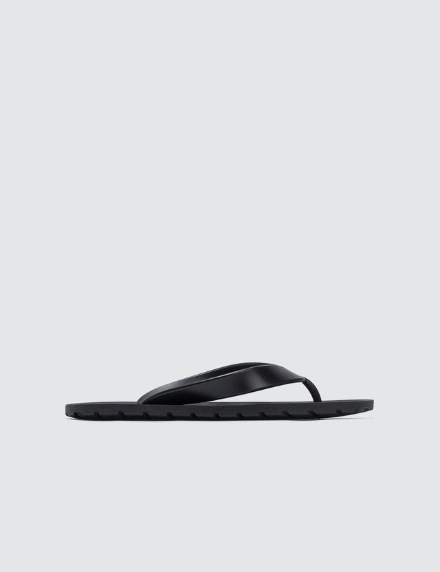NUNUNU Flip Flops