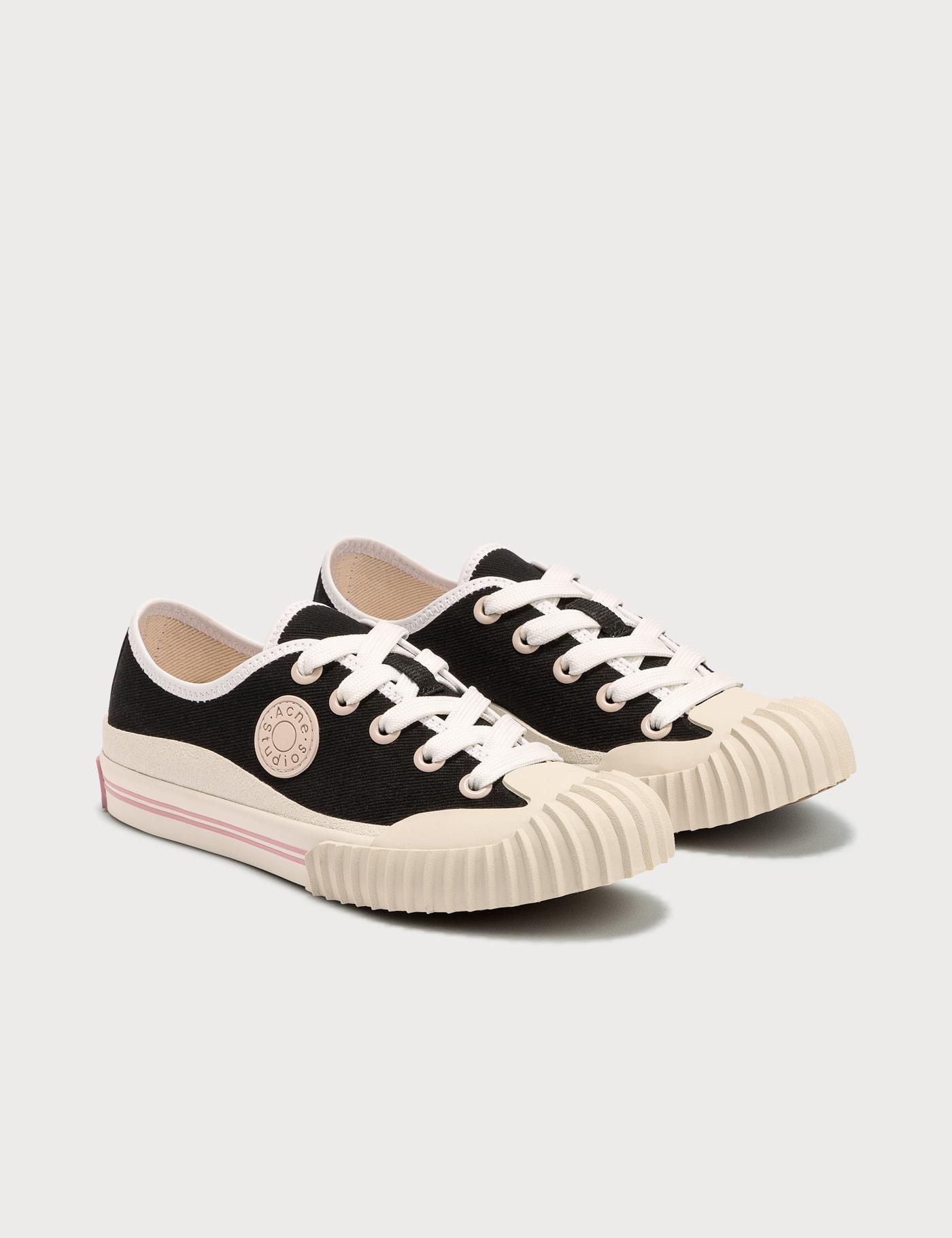 Brady Sneaker