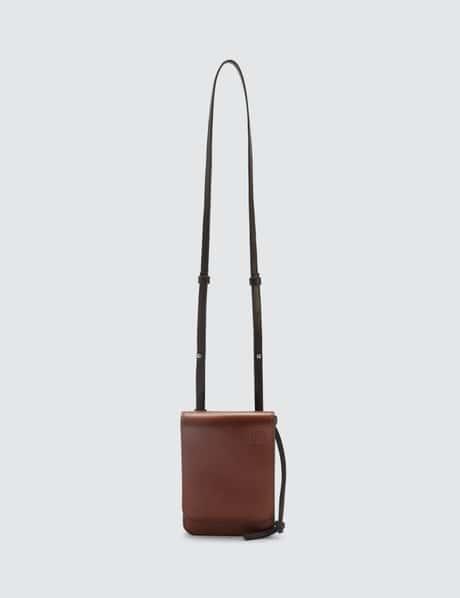 로에베 Gusset 플랫 폰백 크로스바디 - 코냑 LOEWE Gusset Flat Crossbody Bag
