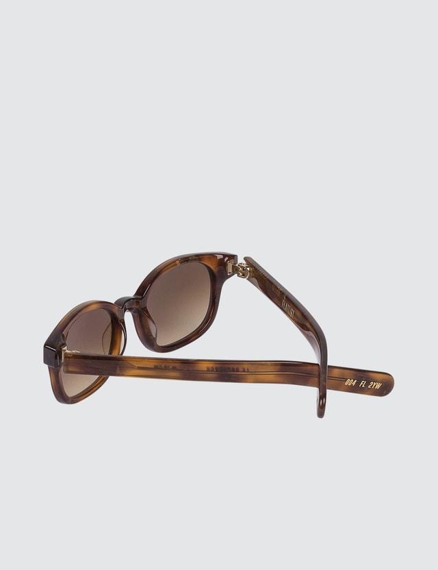 FLATLIST Le Bucheron with Brown Gradient Lens