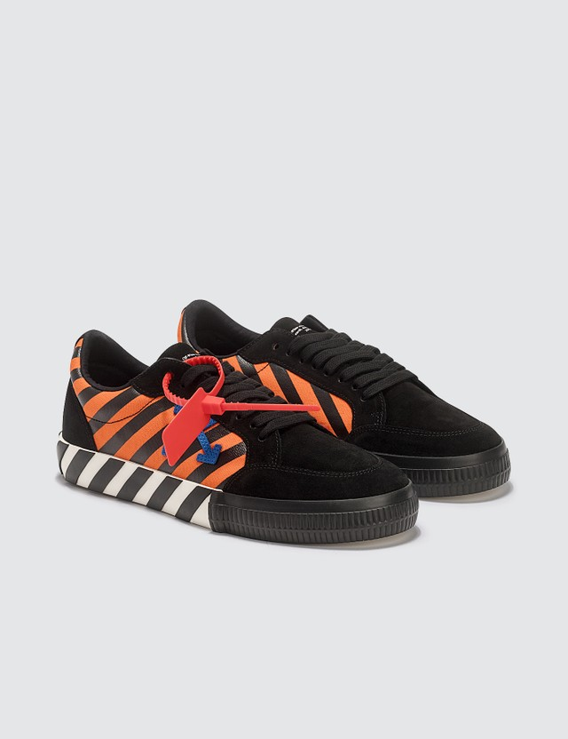 Off-White Diag Low Vulcanized Sneaker