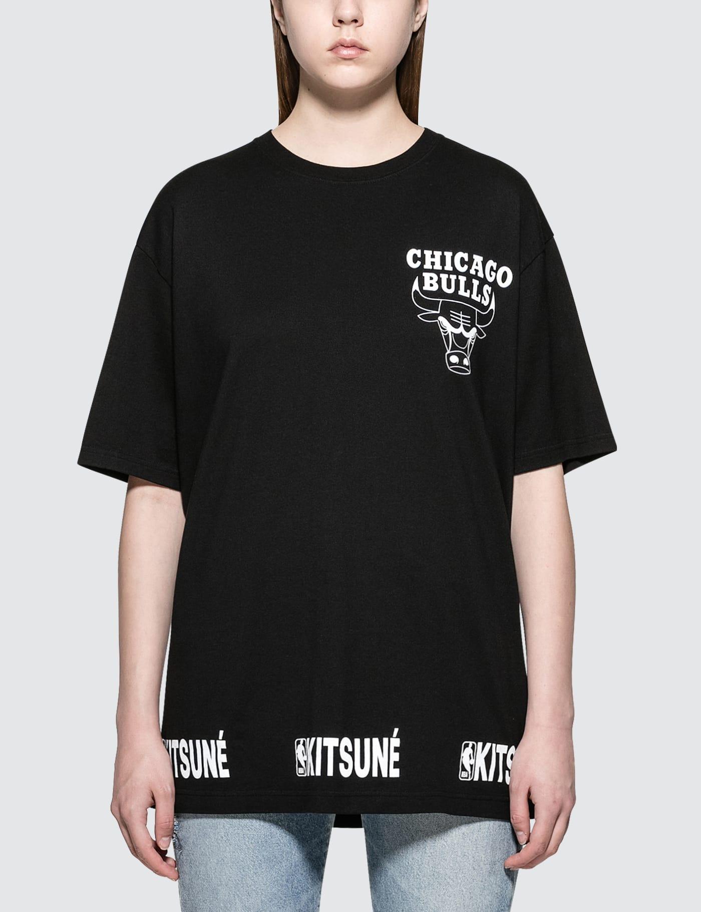 MAISON KITSUNE | Maison Kitsune Chicago Bulls S/S T-Shirt | Goxip