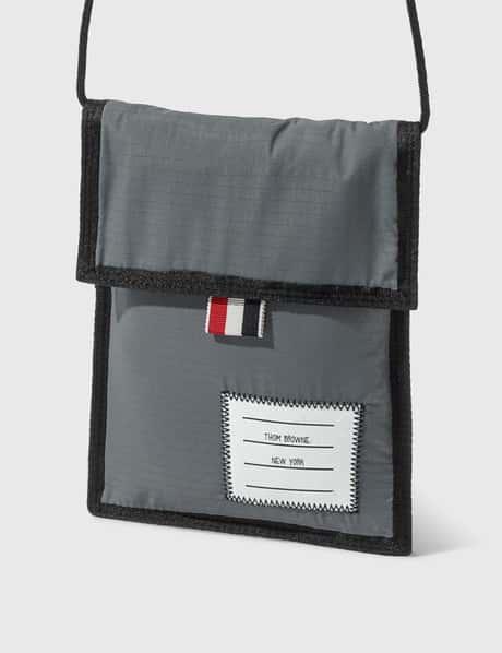 탐 브라운 Thom Browne Velcro Drawcord Neck Pouch
