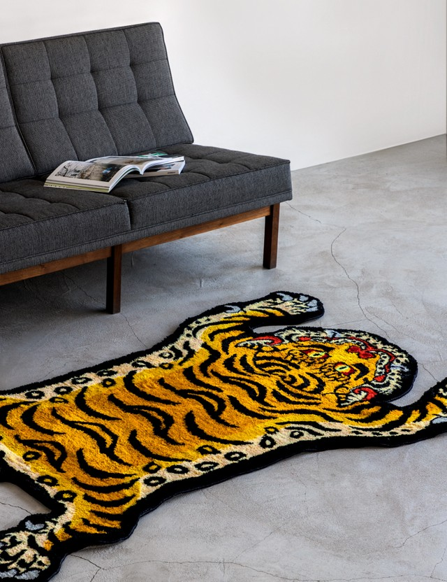 RAW EMOTIONS Large Tibetan Tiger Rug
