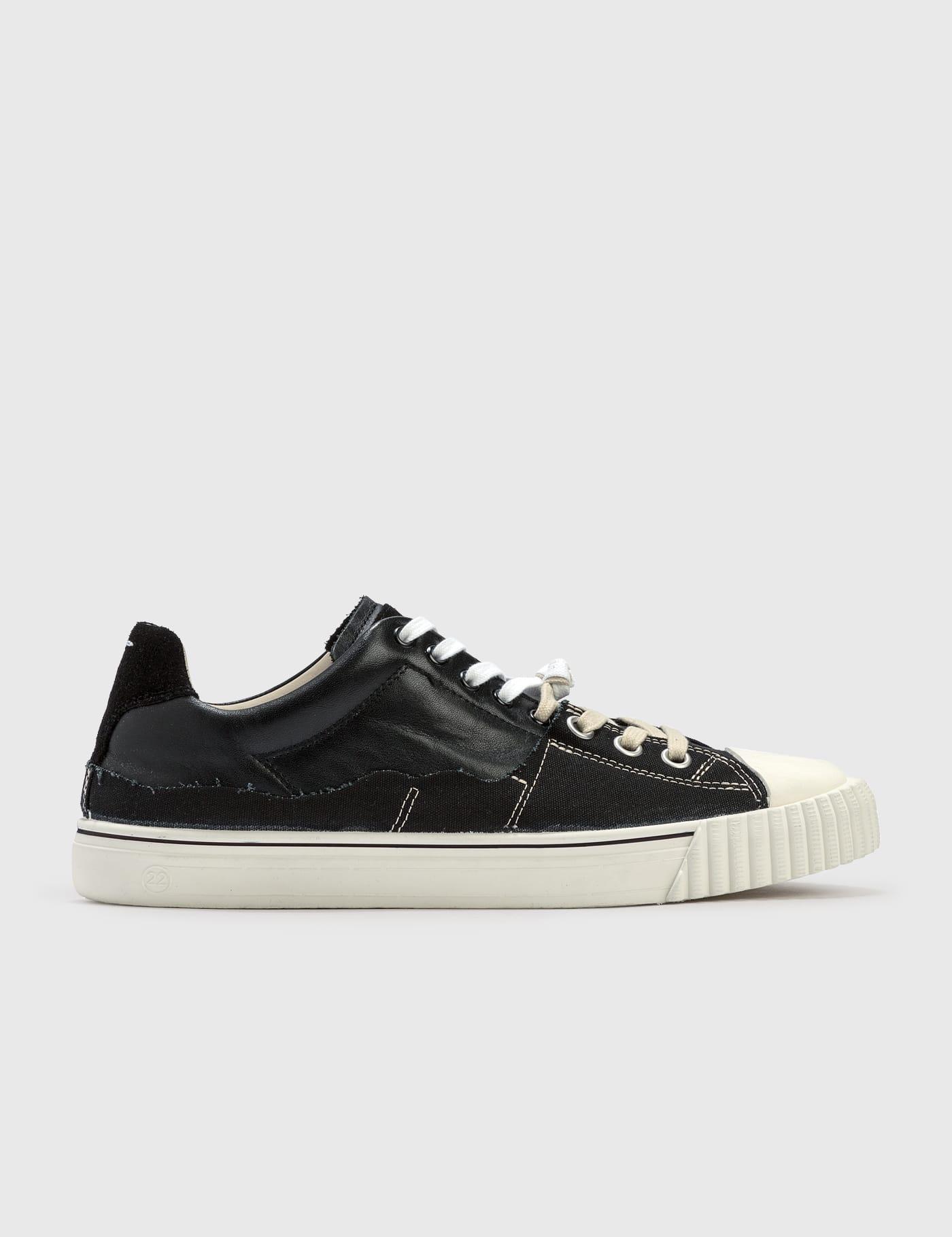 Evolution Low Sneaker