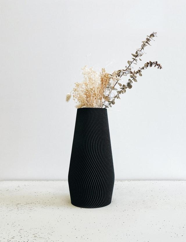 Minimum Design WAVE Vase Ebony Black Life