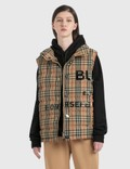 Burberry Horseferry Print Vintage Check Puffer Gilet 사진