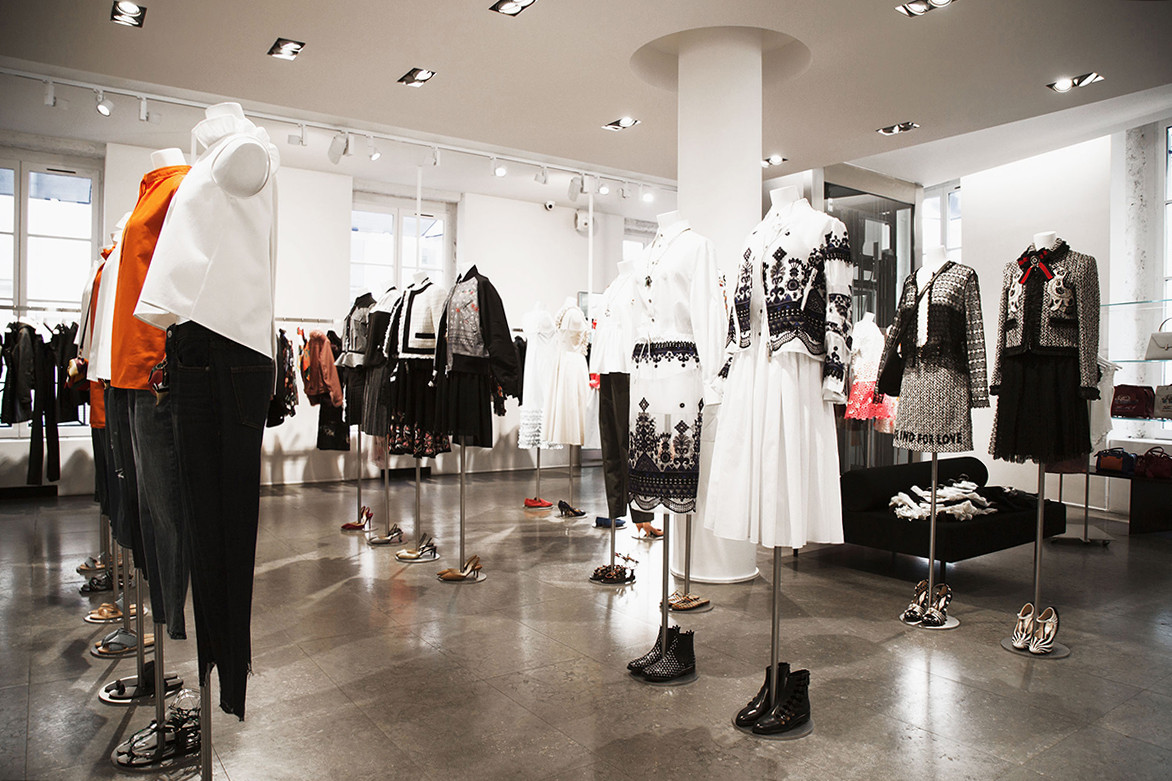 972f9c9ffa21fb The 7 Best Boutiques to Shop Women's Streetwear in Paris | HYPEBAE