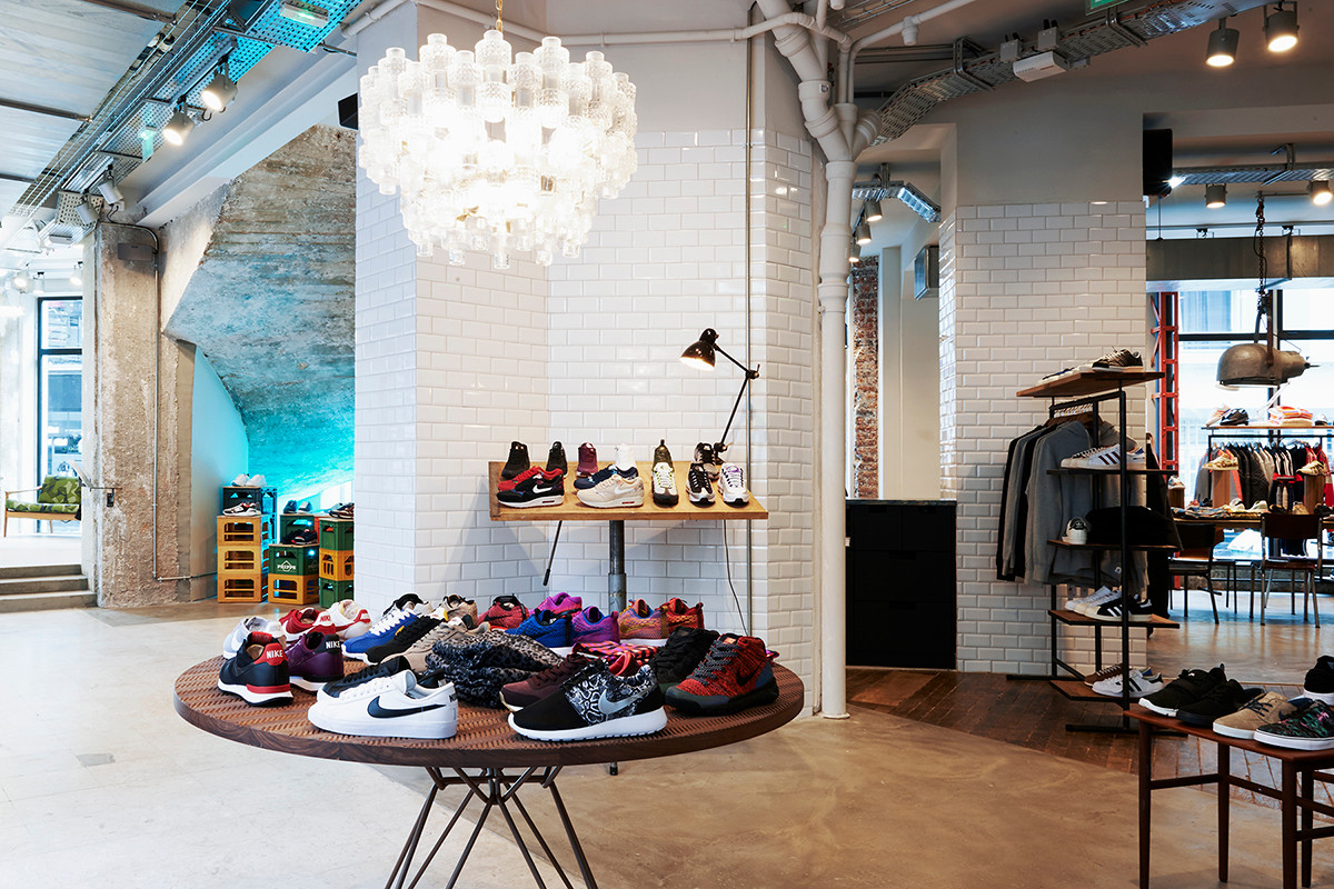 26a859d5ad The 7 Best Boutiques to Shop Women's Streetwear in Paris   HYPEBAE
