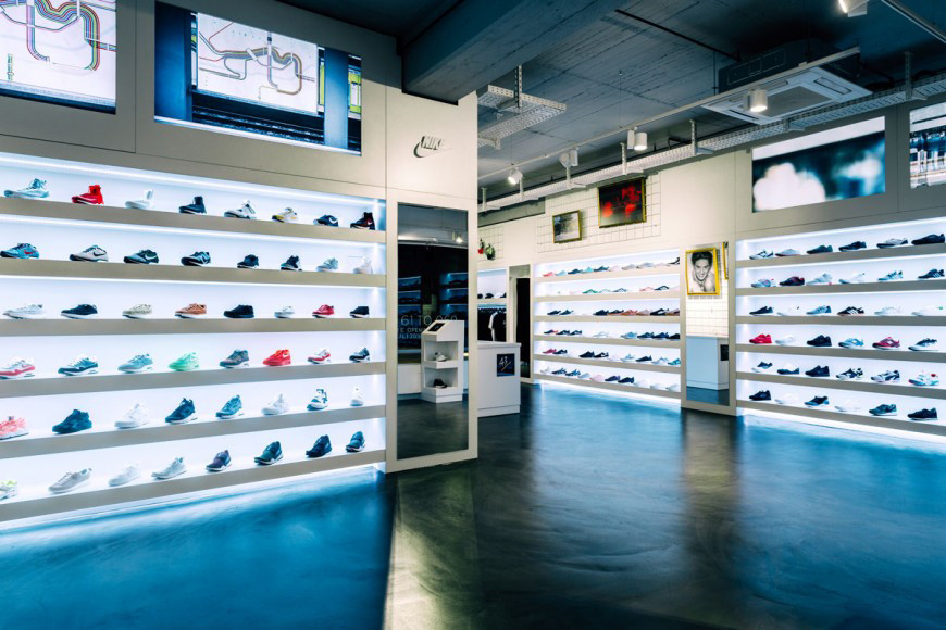 wholesale dealer 9414c a29ea Best Stores to Shop Women's Sneakers in Germany   HYPEBAE